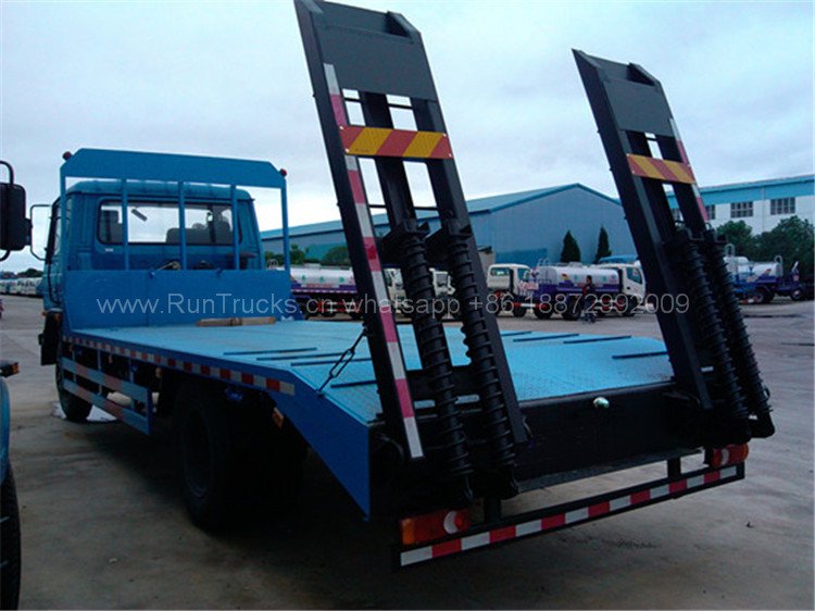 Dongfeng 15T flat bed truck 04.jpg