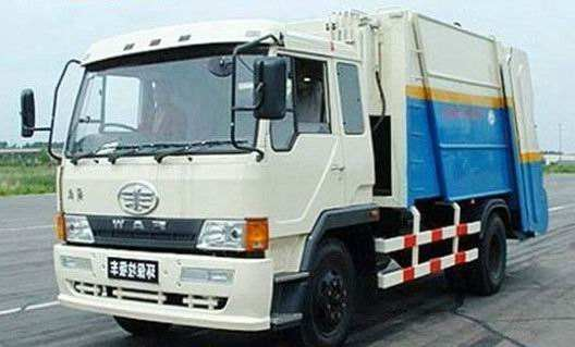 China FAW jiefang 8000 L compactor garbage truck.jpg