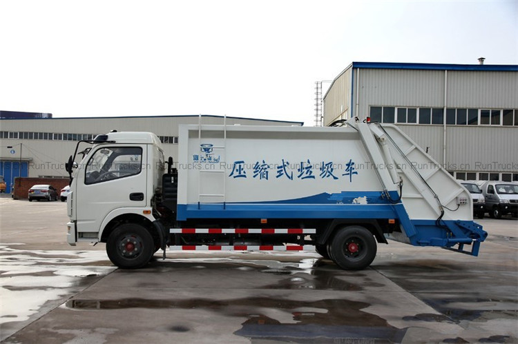 Dongfeng 124 horsepower 4X2 compactor garbage truck 05.jpg
