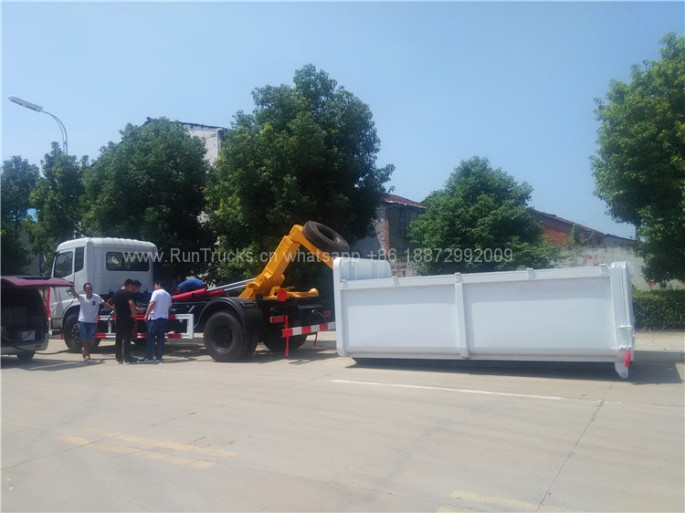 Dongfeng 12cbm Hook Arm garbage truck 01