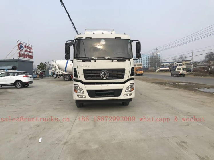 China Dongfeng 30 cbm bulk cement transportation vehicle 05.jpg