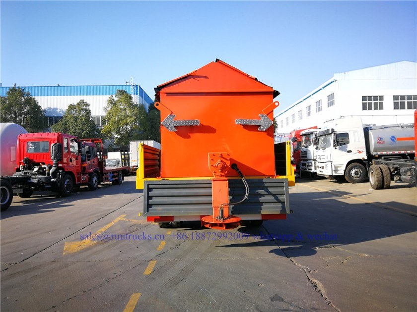 china dongfeng cargo truck with 3.3m snow shovel and 3.5cbm snow melt spreading machine 10.jpg