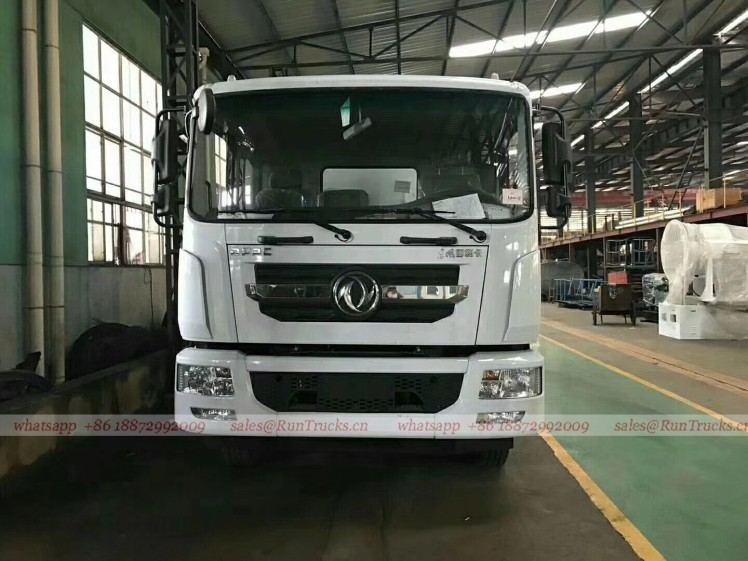 China Dongfeng D9 duolika 10 cbm sewage suction truck 06.jpg