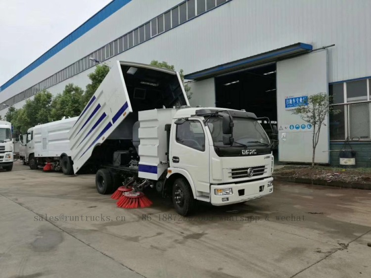 China dongfeng road street sweeper 07.jpg
