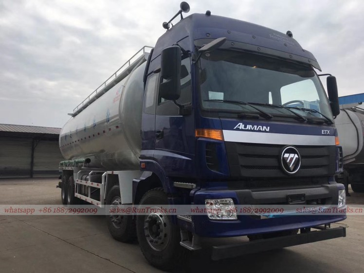 China Foton 35 cbm bulk cement transportation truck 04.jpg