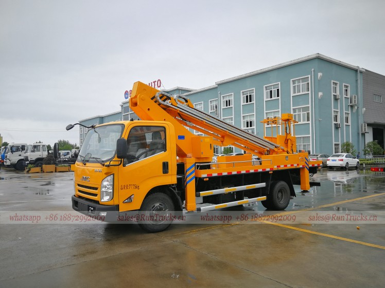 China JMC 20m high aerial working platform truck 01.jpg