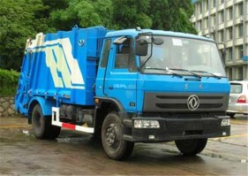 Dongfeng 145 8000 L compactor garbage truck
