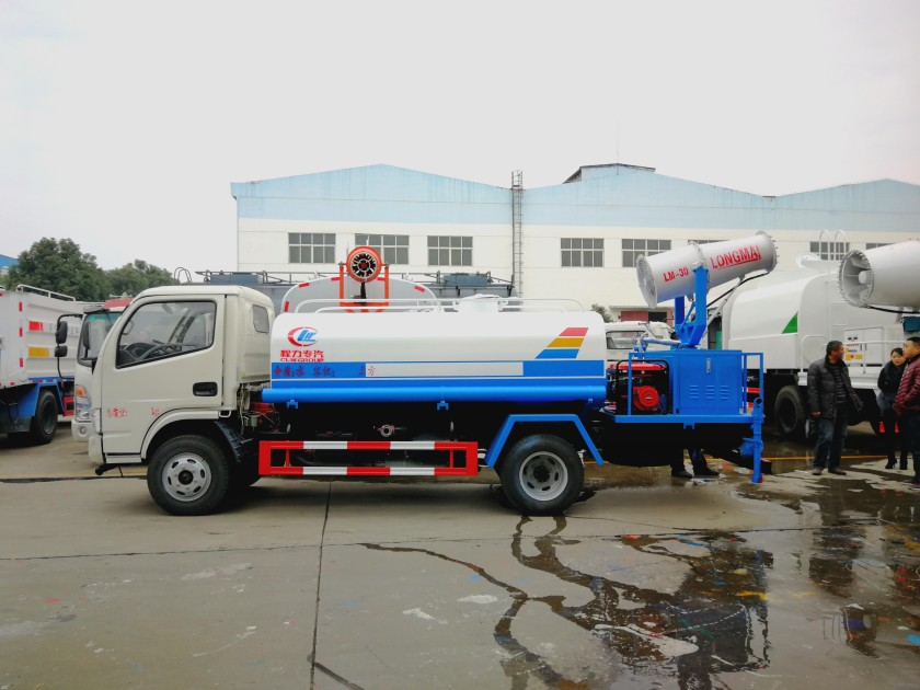 Dongfeng 4 cbm water dust suppression truck 02.jpg