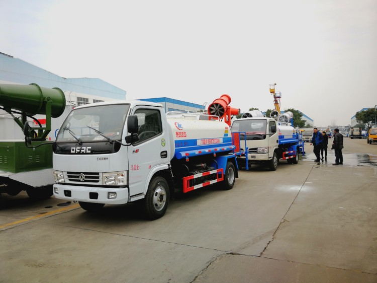 Dongfeng 4 cbm water dust suppression truck 04.jpg