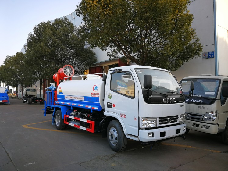 dongfeng 4cbm tank with clw 40 water fog cannon01.jpg