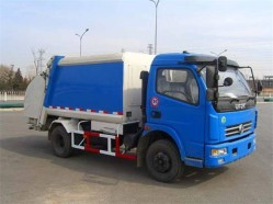 Dongfeng duolika 6000 L compactor garbage truck