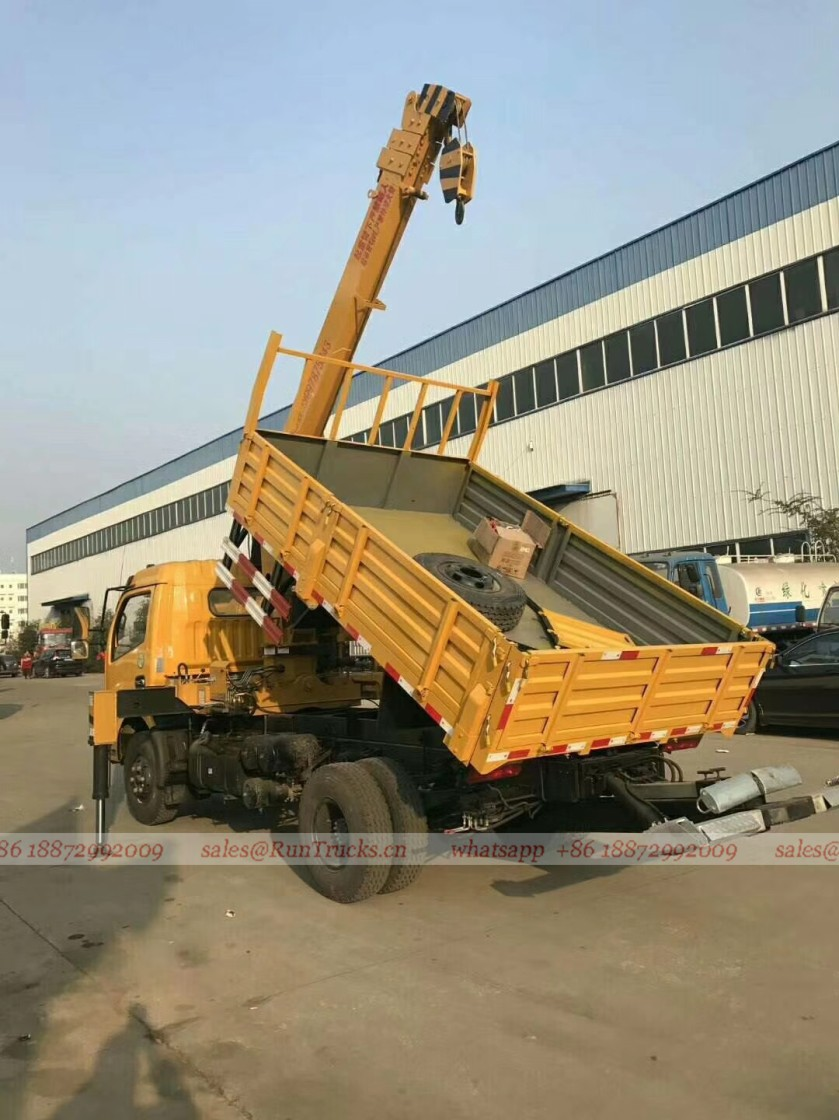 Dongfeng truck with 5 tons crane 03.jpg