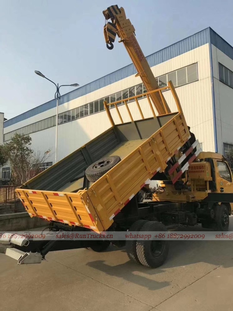 Dongfeng truck with 5 tons crane 04.jpg