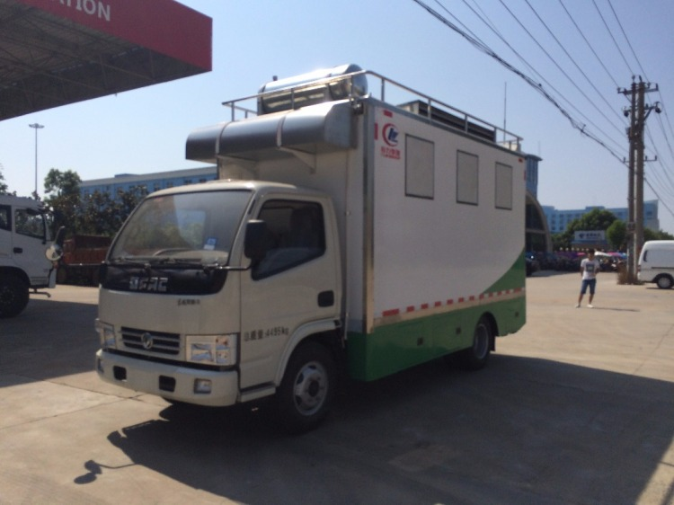 China dongfeng food vehicle for export