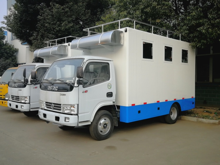 2 Units of dongfeng food vehicle for export