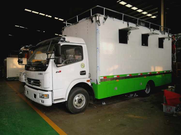 dongfeng duolika food vehicle