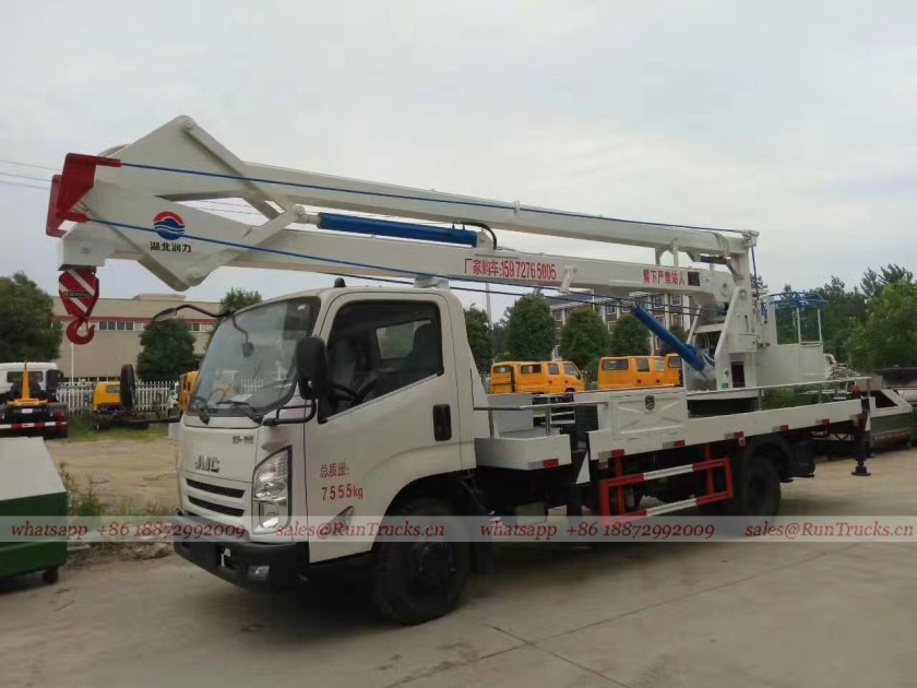 JMC technology 18 meters High-Altitude Working Platform Truck with bucket and crane 01.jpg