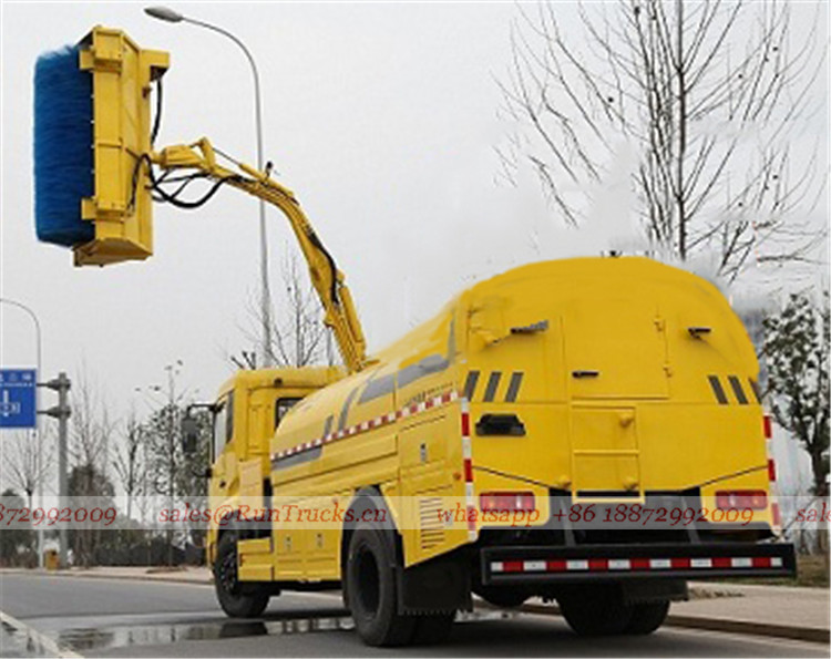 China Dongfeng wall & Guardrail Cleaning Truck 02