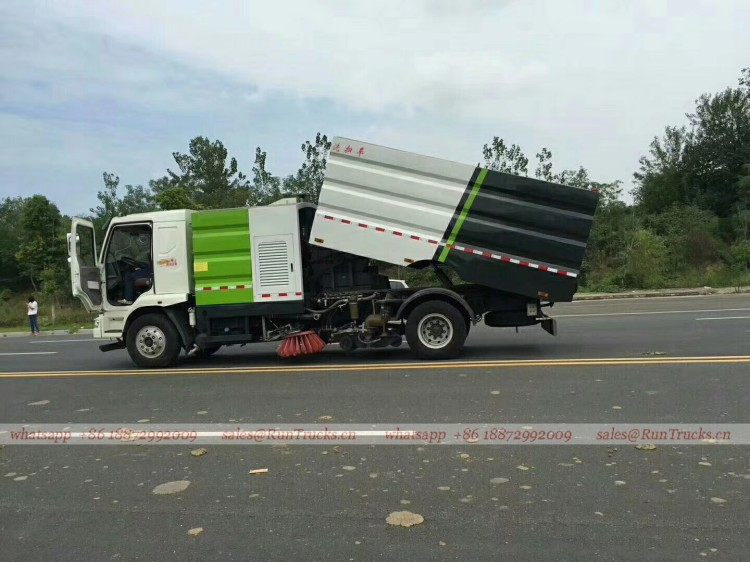 Dongfeng Chenglong road wash & sweeper truck 04