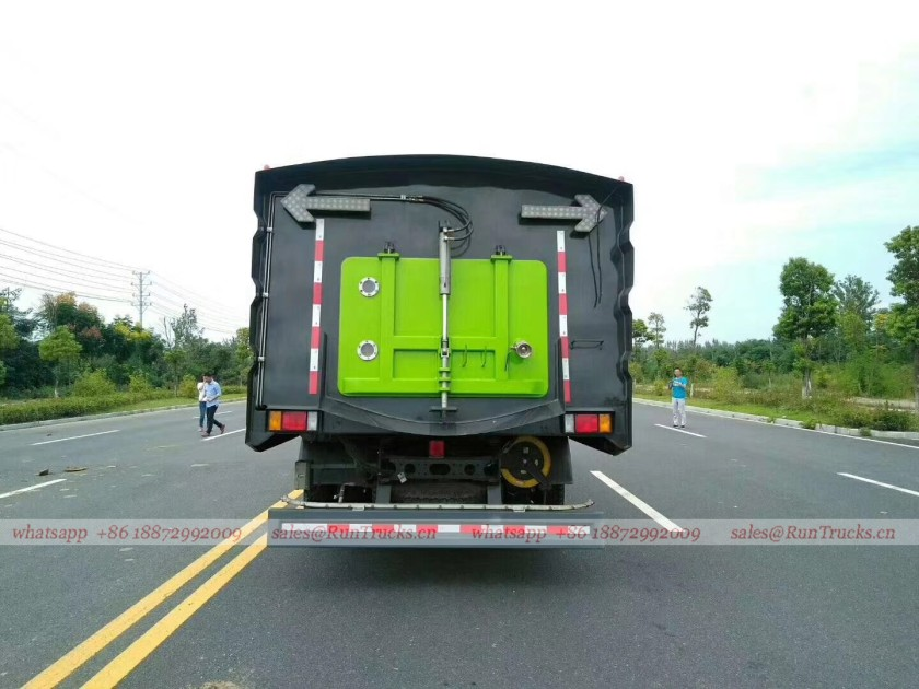 Dongfeng Chenglong road wash & sweeper truck 07