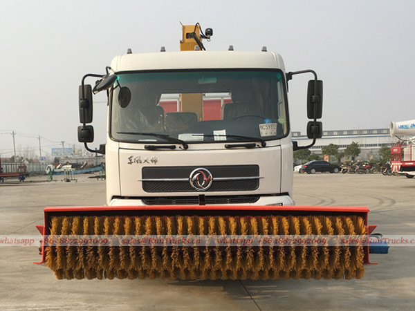 Dongfeng multifunctional snow removal truck with crane and snow melt agent machine 03