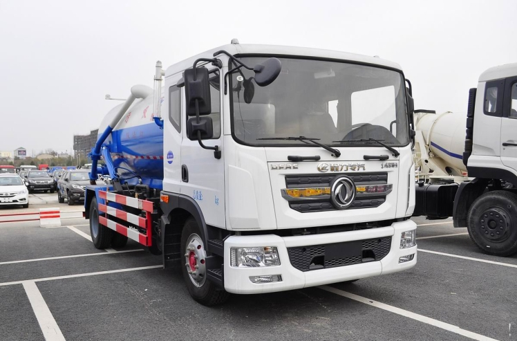 Dongfeng D series sewage suction truck  (3).jpg
