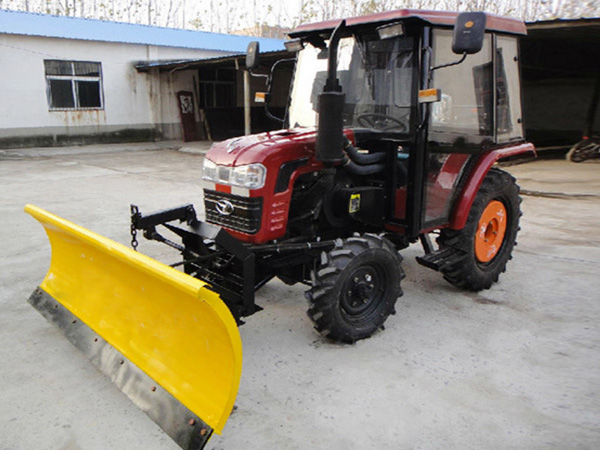2.5m lm snow plow on tractor