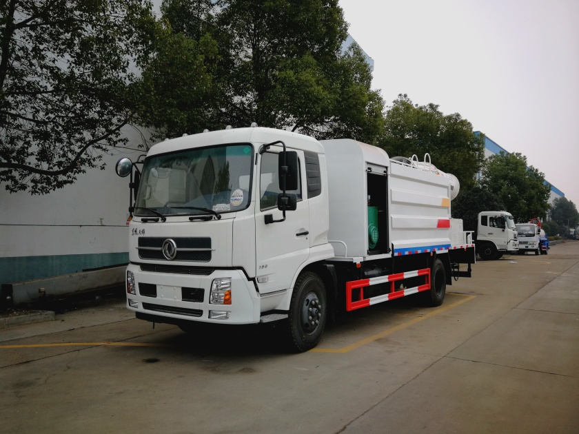 dongfeng 10cbm dust suppression truck  (1).jpg