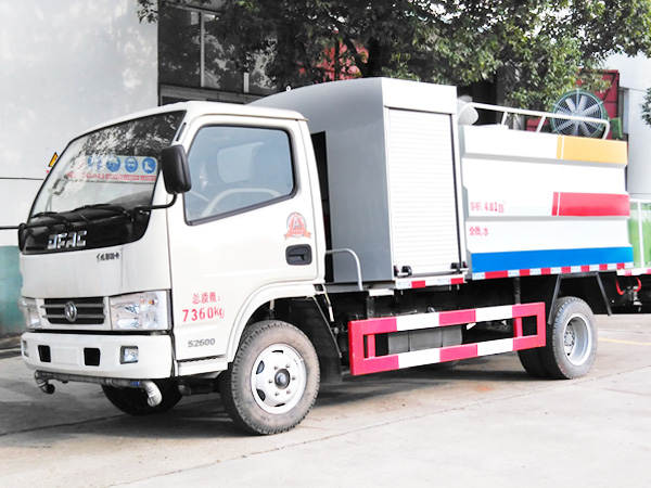dongfeng 5cbm dust suppression truck (1)