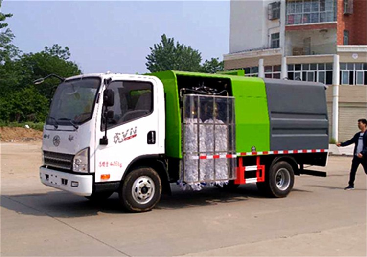 China brand models guardrail fence cleaning vehicle introduction (10)