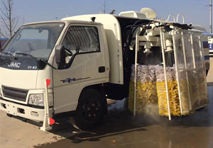 China brand models guardrail fence cleaning vehicle introduction (4)
