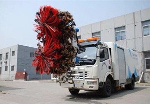 China brand models guardrail fence cleaning vehicle introduction (5)