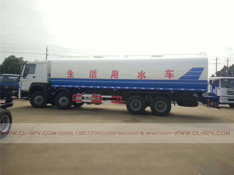 China howo 35000 liters water truck 01