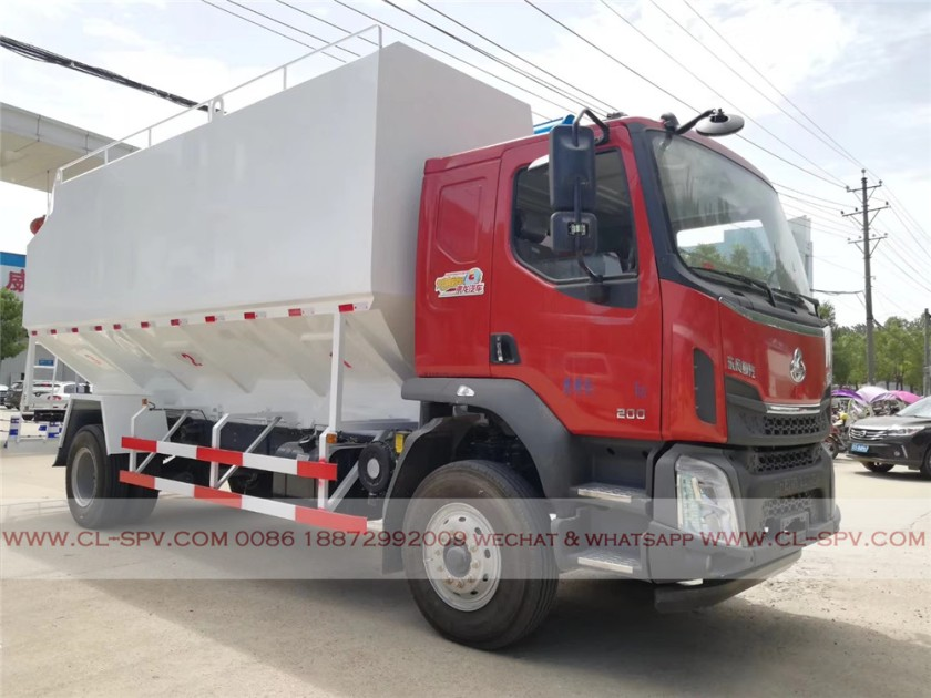 Dongfeng 28000 liters bulk feed transportation truck 02