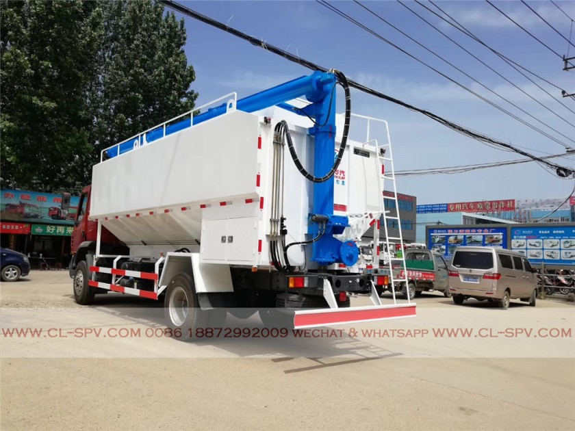 Dongfeng 28000 liters bulk feed transportation truck 04