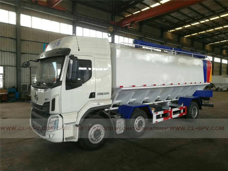 Dongfeng bulk powder feed transport vehicle 02