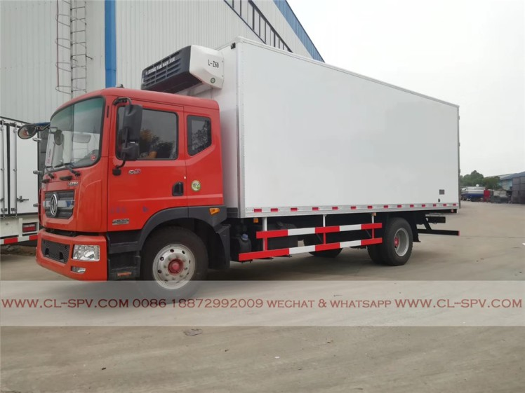 Dongfeng D series refrigerator truck 03