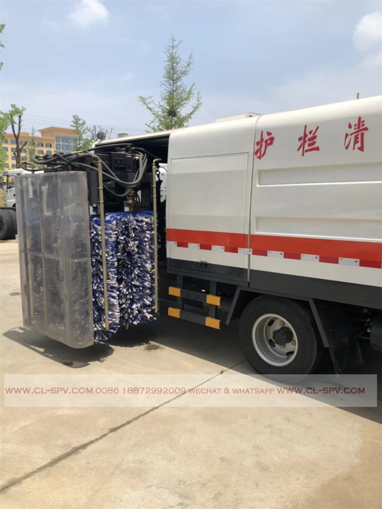 Dongfeng road fence cleaning vehicle 06