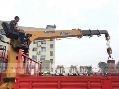 China different trucks with brand cranes08