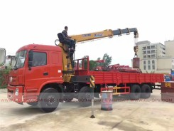 China different trucks with brand cranes11