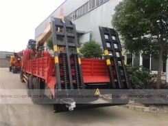 China different trucks with brand cranes12