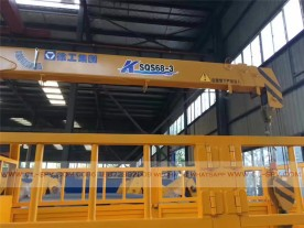 China different trucks with brand cranes28