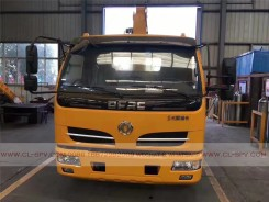 China different trucks with brand cranes31