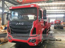 China different trucks with brand cranes41