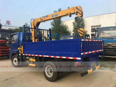 China different trucks with brand cranes49