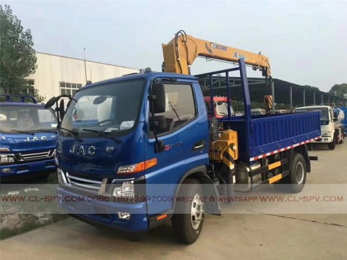China different trucks with brand cranes52