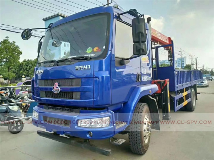 China different trucks with brand cranes53