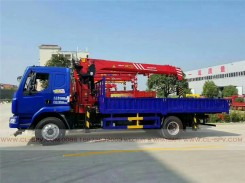 China different trucks with brand cranes55