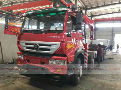 China different trucks with brand cranes58