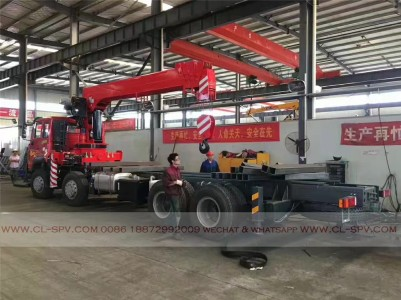 China different trucks with brand cranes59